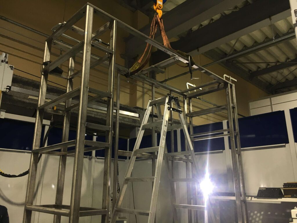 W2430㎜xH2415㎜ SUS304機械装置架台